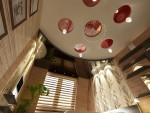 Спальня родителей. Вид на сложный многоуровневый потолок. 6-ти комнатная квартира в Екатеринбурге