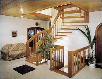 Дизайн деревянной лестницы в интерьере